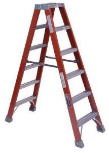 FM1500 Series Fiberglass Twin Front Ladders, Louisville Ladder®